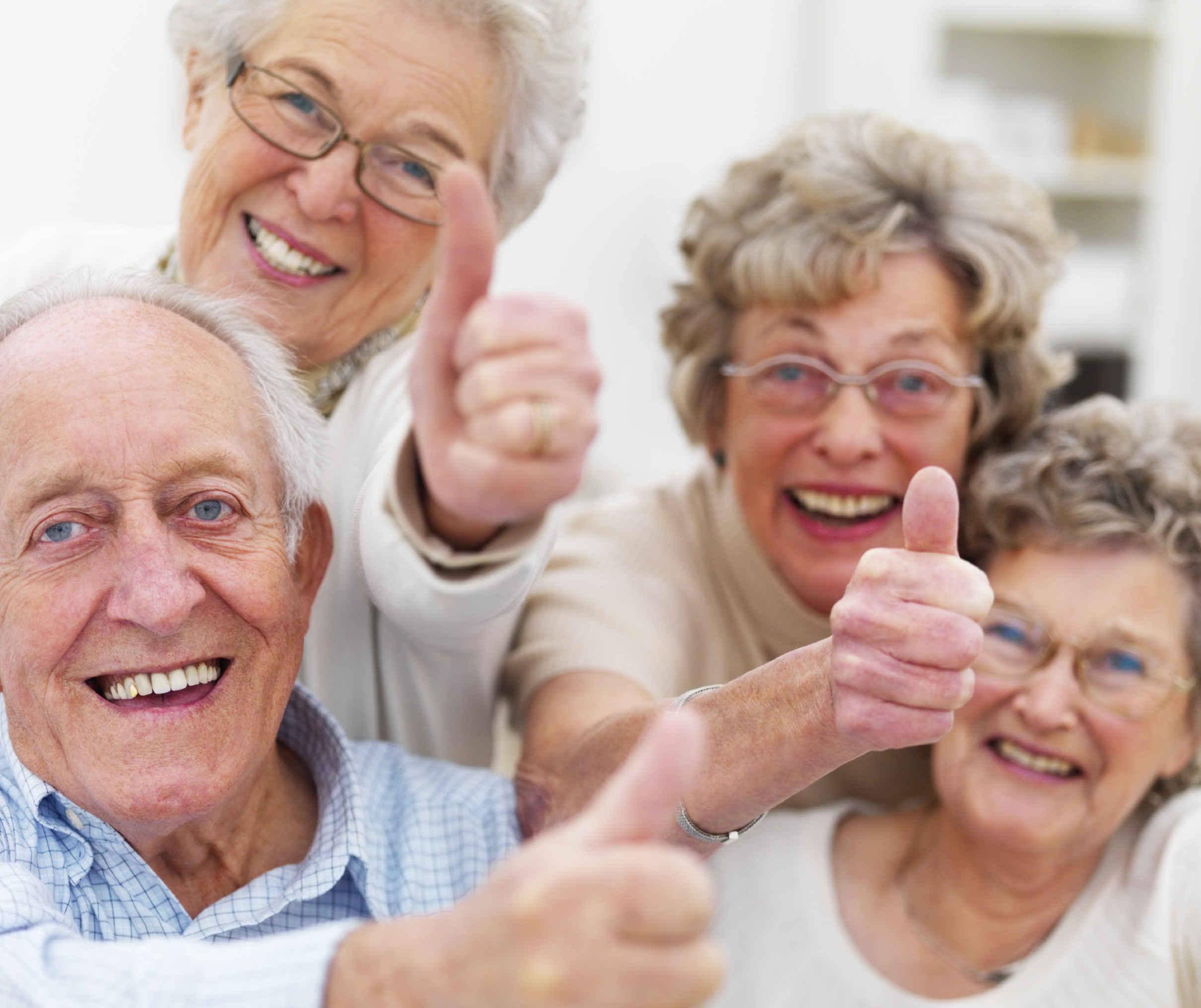 Happy_Old_People_Thumbs_up